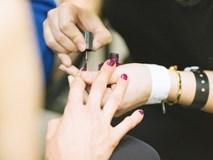 Thợ làm móng tiết lộ 7 điều mà các tiệm không muốn khách hàng biết, chị em có nhu cầu làm đẹp ăn tết cần cẩn trọng nếu không muốn mắc ung thư
