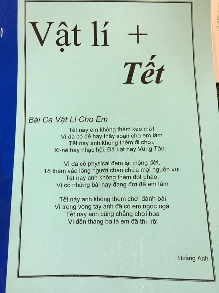 Giao một chồng bài tập Tết, thầy giáo Vật Lý sáng tác hẳn bài hát cổ động tinh thần siêu lầy khiến học sinh dở khóc dở cười-1