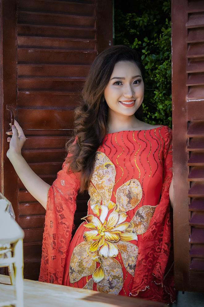 Cao Mỹ Kim xinh đẹp và quyến rũ trong tà áo dài-3