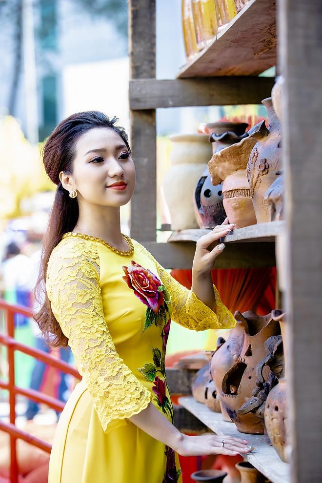 Cao Mỹ Kim xinh đẹp và quyến rũ trong tà áo dài-9