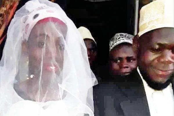 Chồng phát hiện bí mật động trời về vợ sau hai tuần cưới-1