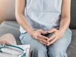 Cứ nghĩ vùng kín của vợ ra máu do rách màng trinh sau quan hệ, chồng sốc nặng khi biết đó là dấu hiệu của ung thư-4