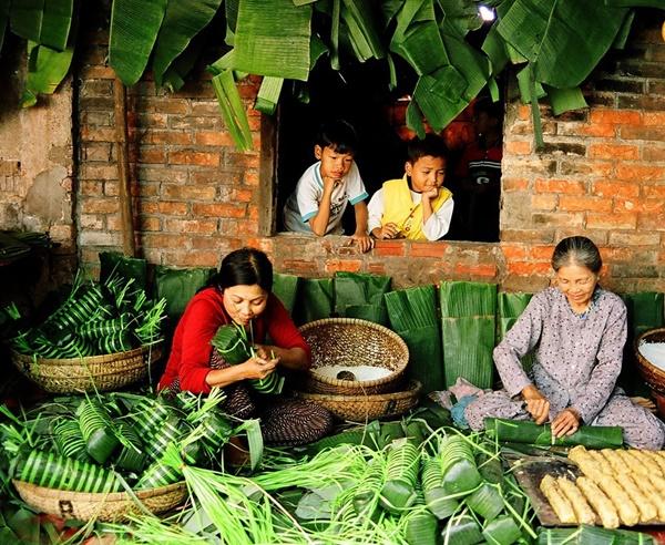 Bánh tét, thịt kho tàu và hương vị Tết cổ truyền miền Trung-2