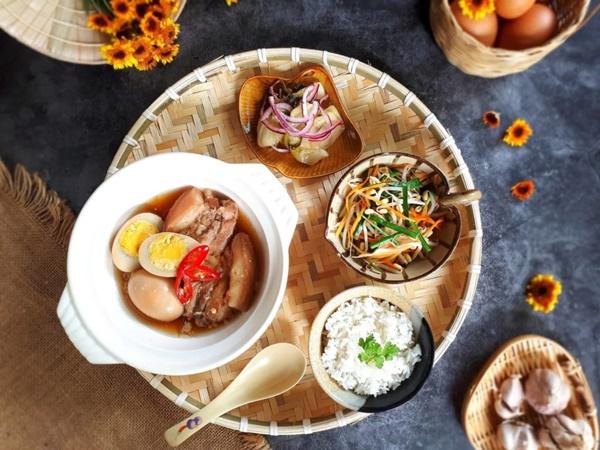 Bánh tét, thịt kho tàu và hương vị Tết cổ truyền miền Trung-11