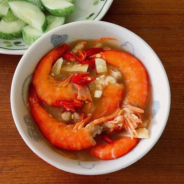 Bánh tét, thịt kho tàu và hương vị Tết cổ truyền miền Trung-13
