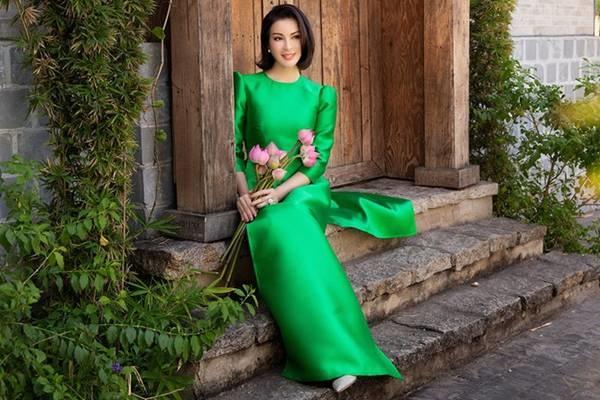 MC Thanh Mai diện áo dài Tết rực rỡ, trẻ đẹp không tì vết ở tuổi 46-9