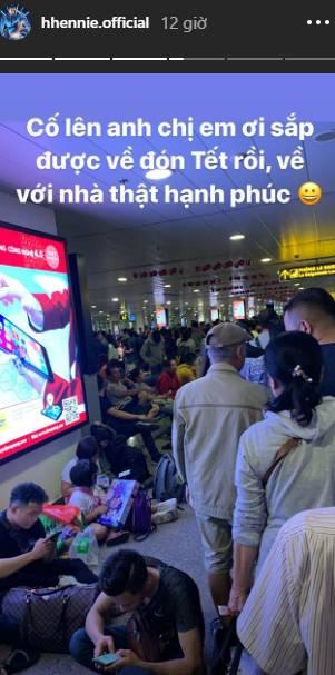 Giống như bao người khác, Hoa hậu HHen Niê cũng không thoát khỏi cảnh chờ đợi vật vã để về quê ăn Tết-2