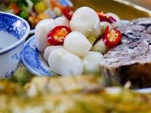 Dưa hành muối ngày Tết rất ngon nhưng người có những đặc điểm này thì càng ăn ít càng tốt