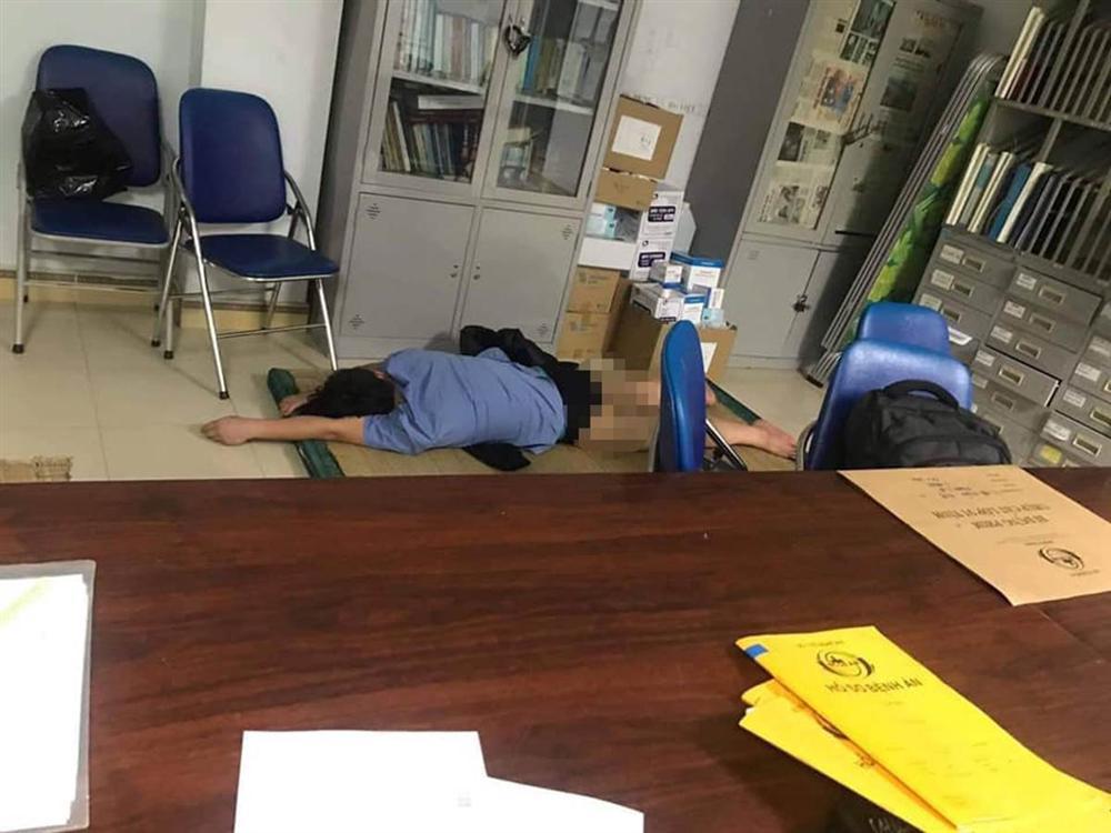 Bác sĩ bị tố ngủ cùng nữ sinh viên trong ca trực thanh minh gì?-2