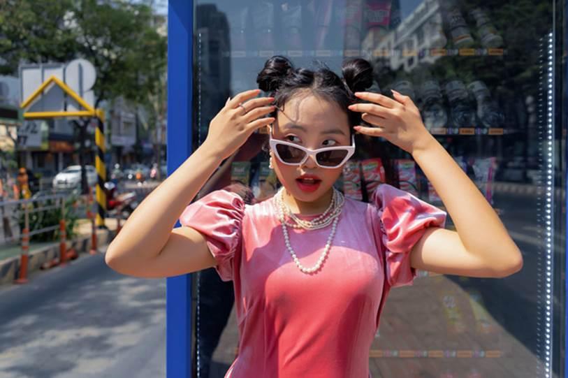Xôn xao hình ảnh Phương Mỹ Chi ngày càng sành điệu, dùng toàn đồ hiệu-2