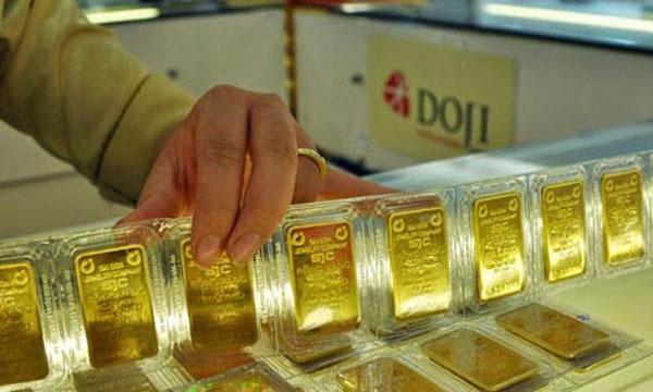 Giá vàng hôm nay 24/1, Mỹ sôi sục, vàng biến động liên tục-1