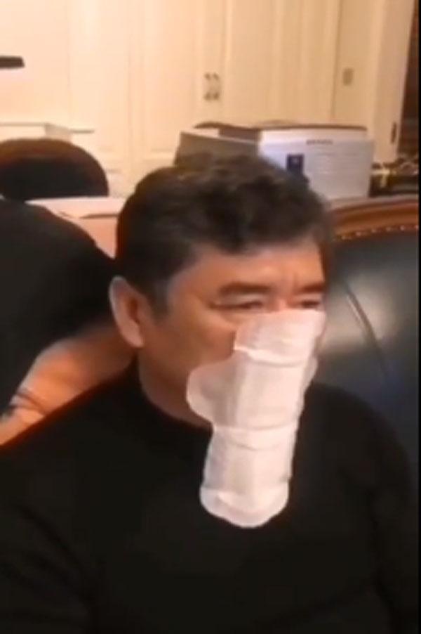 Vũ Hán thất thủ: Dân giành giật thực phẩm dự trữ, cháy hàng khẩu trang chồng dùng tạm băng vệ sinh của vợ, bệnh viện vỡ trận-2
