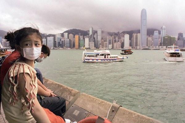 Dịch viêm phổi Vũ Hán bùng phát khiến thế giới hồi tưởng đến đại dịch SARS ám ảnh của 17 năm trước, cũng bắt nguồn từ virus corona-5