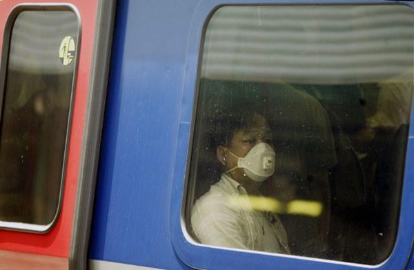 Dịch viêm phổi Vũ Hán bùng phát khiến thế giới hồi tưởng đến đại dịch SARS ám ảnh của 17 năm trước, cũng bắt nguồn từ virus corona-11