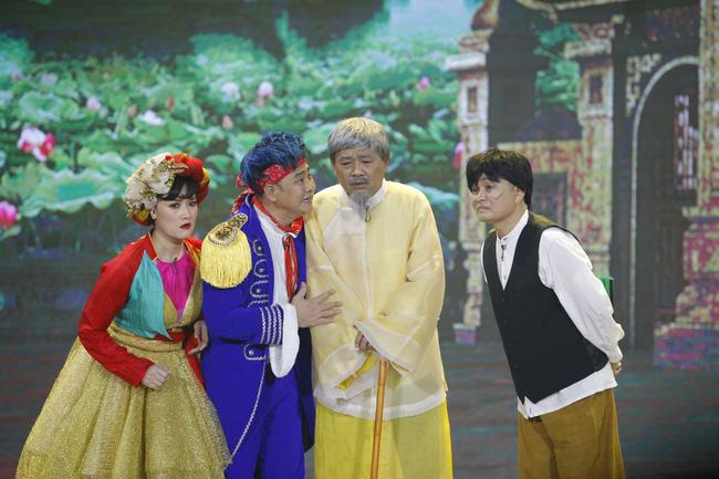 Gặp nhau cuối năm thế sóng Táo Quân: Khán giả tranh cãi dữ dội khi Quang Thắng - Xuân Hinh phát ngôn nhạy cảm-1