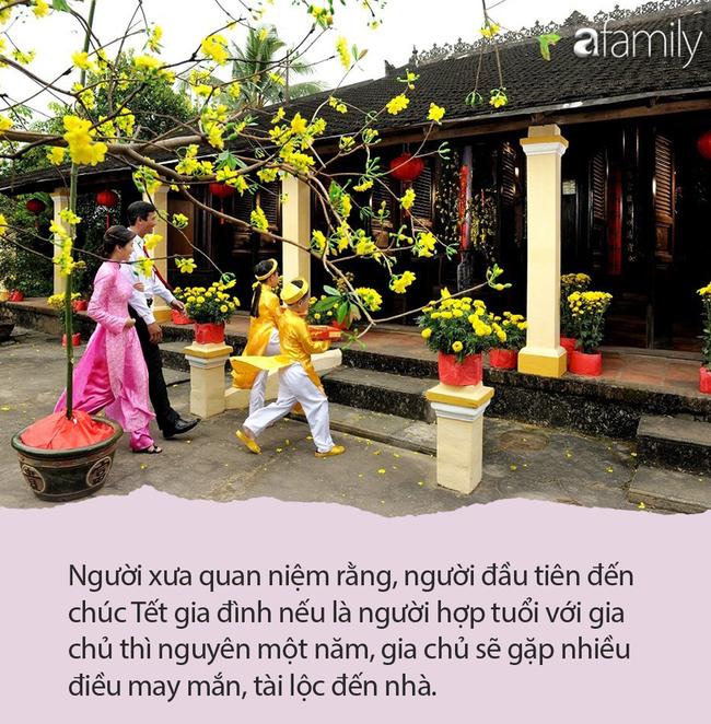 10 điều cha mẹ nên cùng con làm trong ngày Mùng 1 Tết: Vừa giúp trẻ gặp nhiều may mắn lại hiểu biết văn hóa dân tộc-2