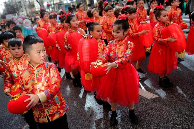Hàng triệu người trên thế giới chào đón Tết Nguyên Đán Canh Tý 2020: Trung Quốc có một dịp Tết khác lạ, Việt Nam lung linh trên báo nước ngoài-15