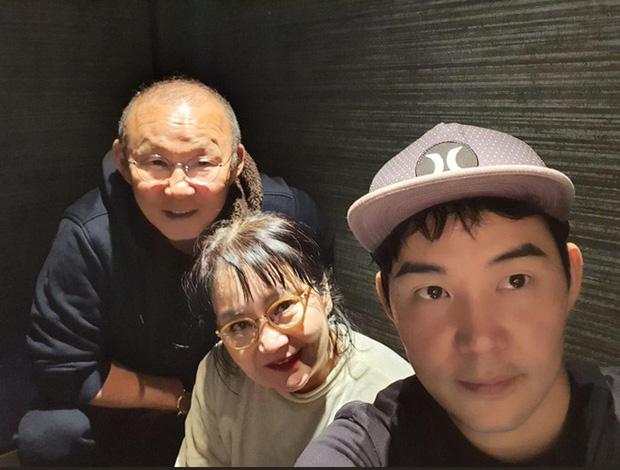 HLV Park Hang-seo và gia đình đón năm mới tại Nhật Bản-1