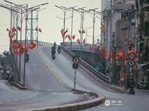 Hà Nội sáng mùng 1 Tết Canh Tý: Sau trận mưa lớn đêm 30, đường phố vắng vẻ như trong cuốn phim cũ nhuốm màu thời gian