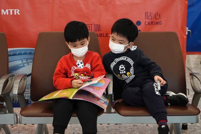 Dịch viêm phổi Vũ Hán: Số người chết tiếp tục tăng và những số liệu mới nhất khiến thế giới rùng mình-1