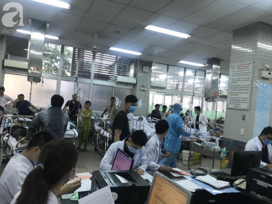 Thêm hai bệnh nhân nghi nhiễm virus corona nhập viện tại TP.HCM, bác sĩ hồi hộp chờ kết quả xét nghiệm-2