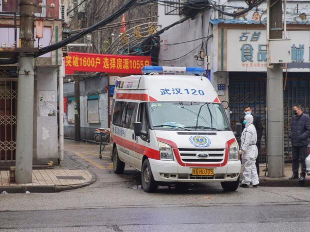 Bệnh nhân trẻ nhất qua đời vì virus Vũ Hán là nam giới 36 tuổi chưa từng có bệnh án-1