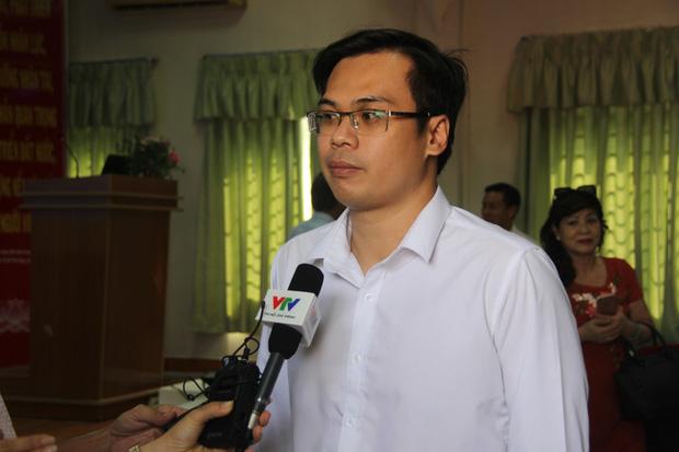 Ngoài 2 cha con người Trung Quốc, Việt Nam đang cách ly 35 trường hợp khác có triệu chứng sốt khi đi về từ vùng dịch-1