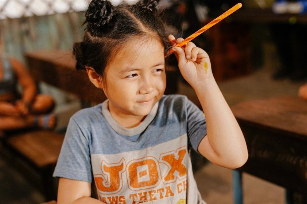 """Con gái màn ảnh"""" của Thu Trang: Chưa đầy mười tuổi nhưng đã góp mặt trong hàng loạt phim ăn khách-2"""