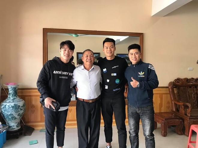 Xuân Trường cùng Thành Chung đi thăm thầy dịp Tết-1
