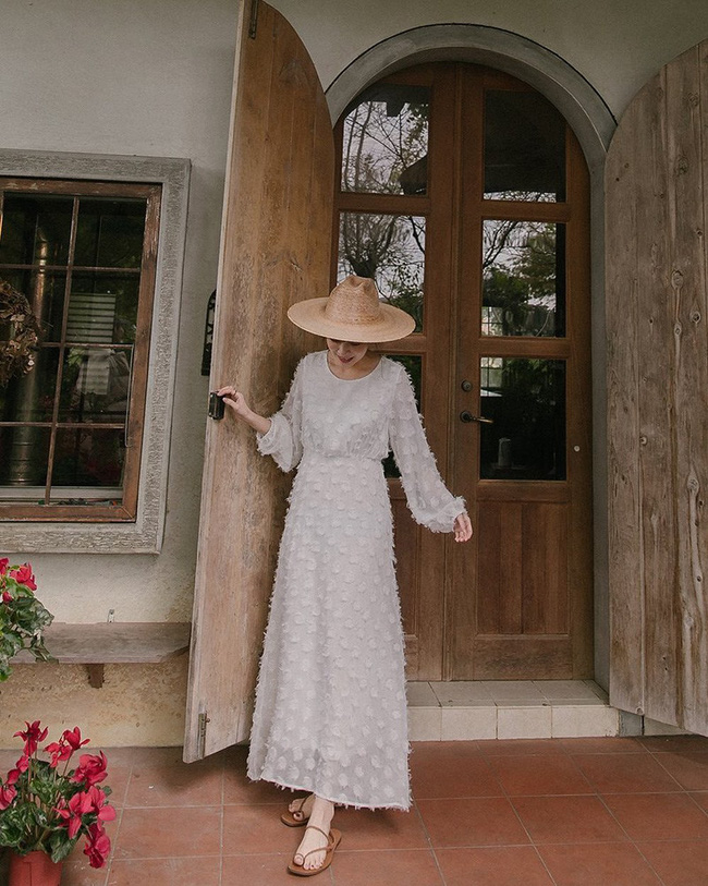 12 cách diện váy đẹp xinh nức nở, khiến chị em không thể cưỡng lại niềm mong mỏi được xúng xính ngay để du Xuân-8