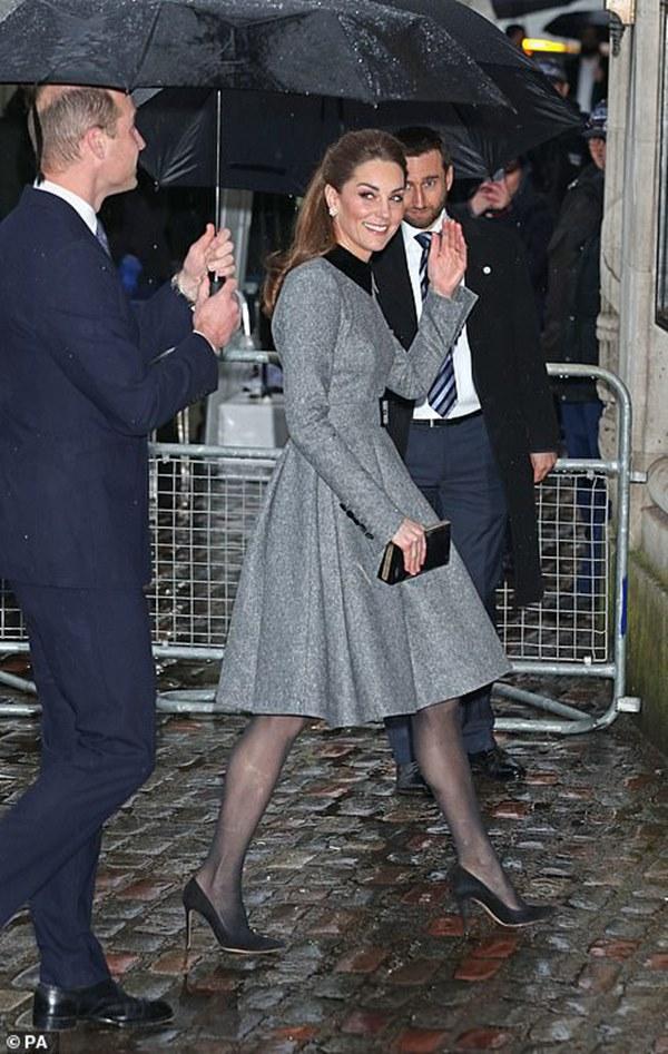 Công nương Kate xinh đẹp xuất thần trong sự kiện mới, cuộc sống ngày một lên hương sau khi em dâu Meghan ra ở riêng-2