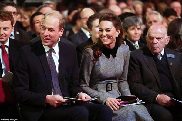 Công nương Kate xinh đẹp xuất thần trong sự kiện mới, cuộc sống ngày một lên hương sau khi em dâu Meghan ra ở riêng-4