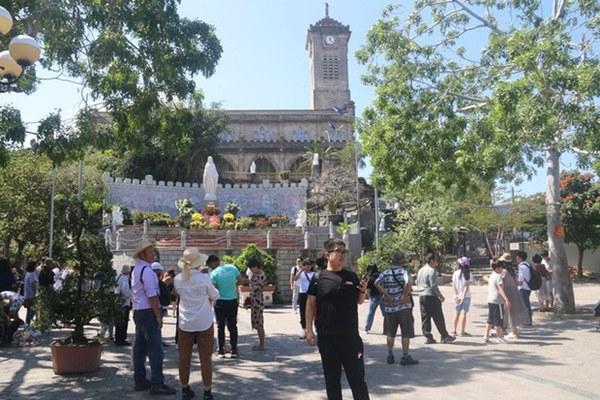 Khánh Hòa: Ngừng đón khách Trung Quốc vì virus corona Vũ Hán-3