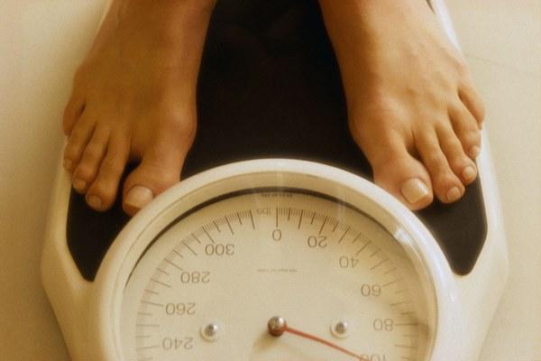 Món ăn ngày Tết mà nhà nào cũng có: Buồn mồm lại ăn cả vốc, tưởng là giảm cân nhưng ăn nhiều lại tăng cân khó kiểm soát-3