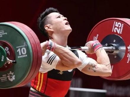Thạch Kim Tuấn giành 3 HCV tại cúp thế giới, chạm tay vé dự Olympic 2020