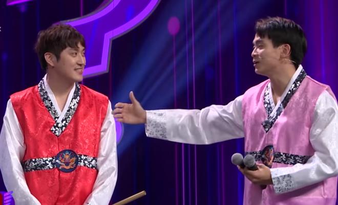 Phản ứng của Trường Giang khi bị Youtuber người Hàn Quốc chê nhà hàng bán đắt-1
