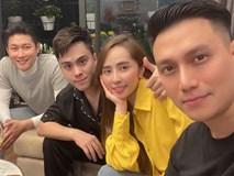 Tụ tập bạn bè đầu năm, Việt Anh liên tục khoe cận cảnh gương mặt đã dần bớt đơ cứng sau hơn nửa năm