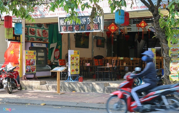 Đường vắng, quán đóng cửa khi ngưng đón khách Trung Quốc ở Nha Trang-5