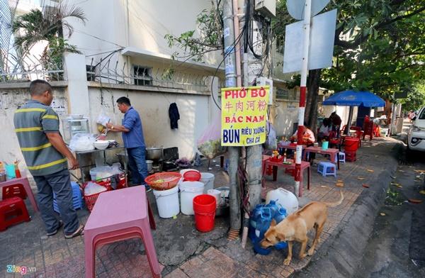 Đường vắng, quán đóng cửa khi ngưng đón khách Trung Quốc ở Nha Trang-9
