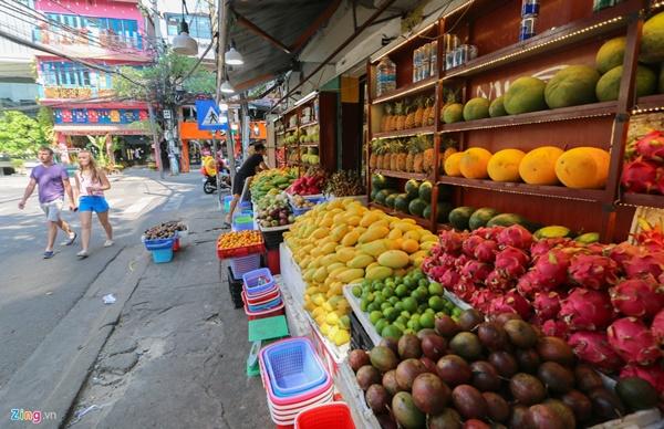 Đường vắng, quán đóng cửa khi ngưng đón khách Trung Quốc ở Nha Trang-11
