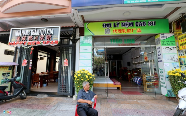 Đường vắng, quán đóng cửa khi ngưng đón khách Trung Quốc ở Nha Trang-12