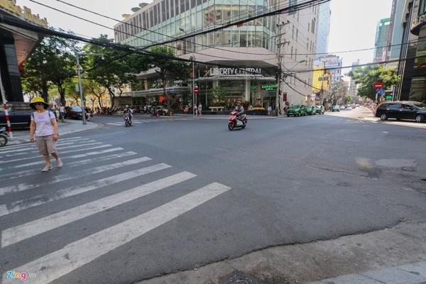 Đường vắng, quán đóng cửa khi ngưng đón khách Trung Quốc ở Nha Trang-13