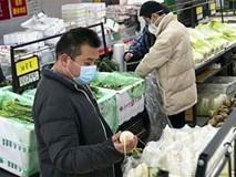 Người dân Vũ Hán mua sắm, sinh hoạt thế nào khi bị phong tỏa?