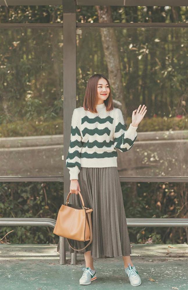 12 ý tưởng diện chân váy dài cực xinh và sang từ sao Việt bạn có thể diện quanh năm được-1