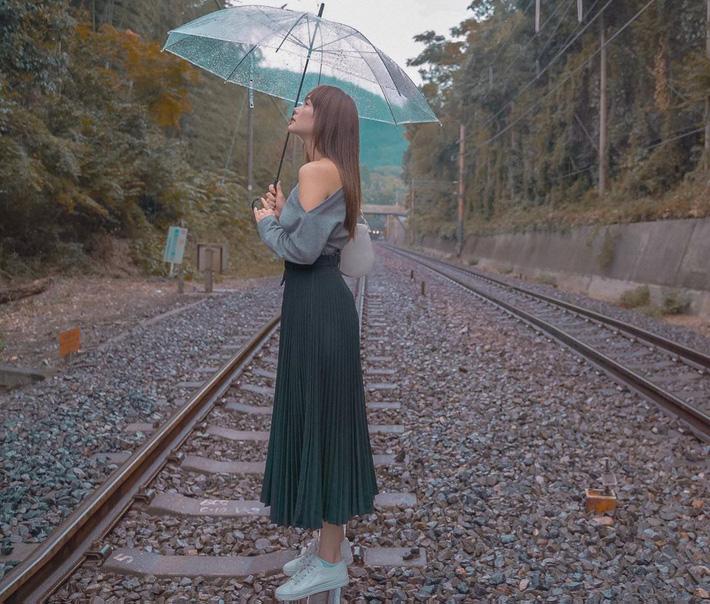 12 ý tưởng diện chân váy dài cực xinh và sang từ sao Việt bạn có thể diện quanh năm được-4