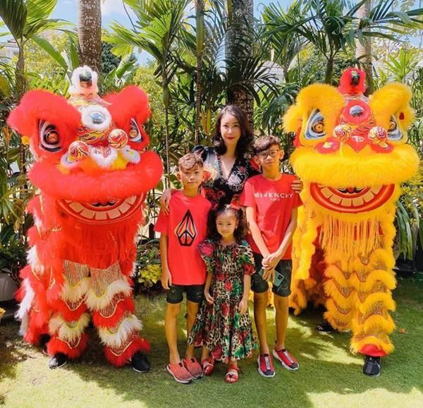 Những lần mặc đồ đôi chất như nước cất của Hà Kiều Anh và con gái út-4