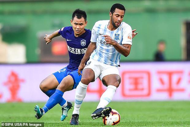 Bóng đá Trung Quốc bị ảnh hưởng nghiêm trọng bởi đại dịch Corona: Giải đấu hoãn vô thời hạn, dàn ngôi sao lên kế hoạch chạy thoát thân-2
