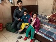 Xót xa bé trai 3 tuổi vừa mổ ruột thừa chưa cắt chỉ cùng chị gái được ông bố trẻ đưa đi khắp nơi để tìm mẹ