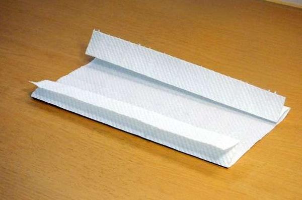 Đừng bấn loạn nếu chưa mua được khẩu trang, đây là cách tự chế khẩu trang cấp tốc từ giấy ăn, ai cũng làm được!-4