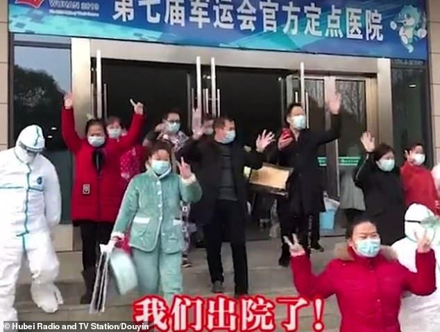 Virus corona tại Vũ Hán: 20 bệnh nhân nhiễm virus đã được phép xuất viện cùng lúc, hơn 1.300 trường hợp nhiễm bệnh bệnh mới, 259 người đã chết-1